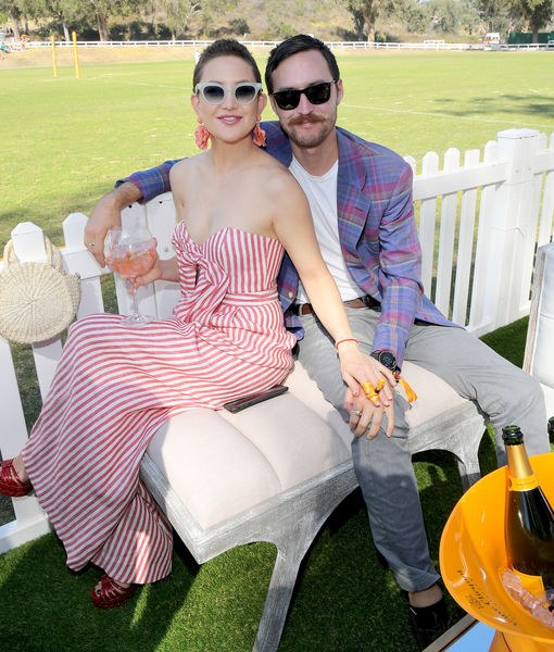 Kate Hudson & Danny Fujikawa Are Expecting! Watch the Gender Reveal