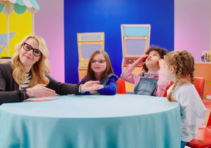 'SNL's' Kate McKinnon Tries to Teach Kids About Money… and It's Hilarious