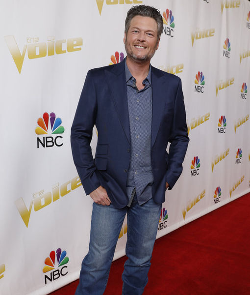 Blake Shelton's Epic Response to His Onstage Fall