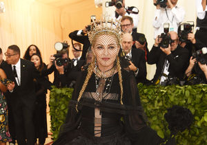 'Extra' with the Stars on the Met Gala Red Carpet