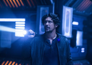 'The 100': Bob Morley Talks Bellamy & Clarke's Reunion, Breaking Into the…