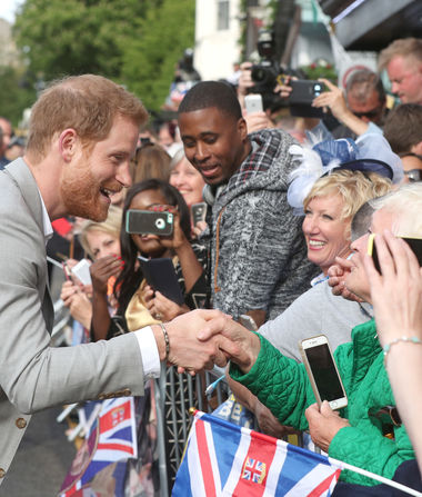 Prince Harry Surprises Royal Watchers as Meghan Markle Arrives to…