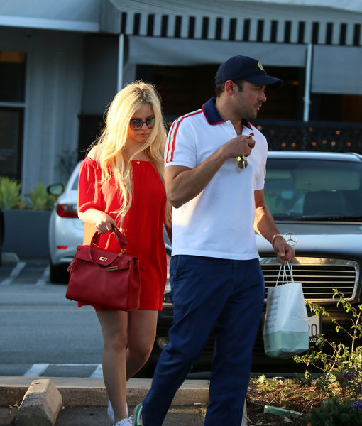 Couple Alert! Avril Lavigne's Rumored New Man Is a Billionaire Heir