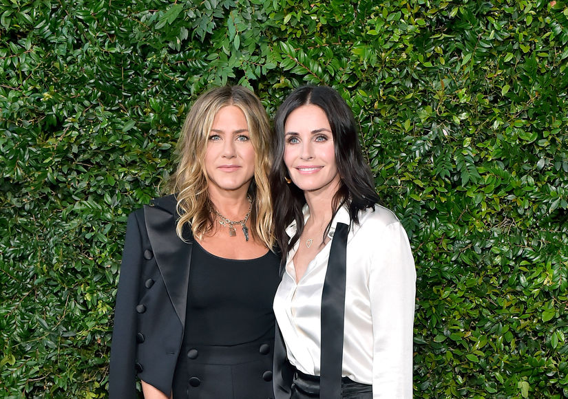 Jennifer Aniston & Courteney Cox's Private Plane Makes Emergency Landing