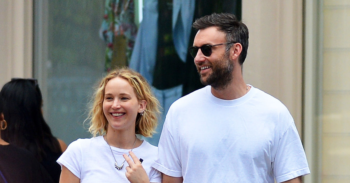 Pic! Jennifer Lawrence Looking Beyond Happy with New BF ...