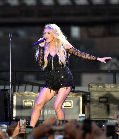 Carrie Underwood Debuts Her Baby Bump
