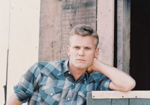 Tab Hunter, '50s Heartthrob, Dead at 86