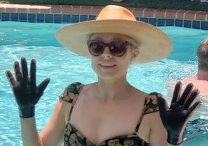 Kristen Bell Likes to Wear Gloves in the Pool?