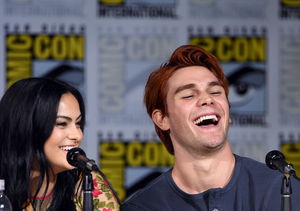 'Riverdale' at SDCC! Camila Mendes & KJ Apa Tease Veronica…