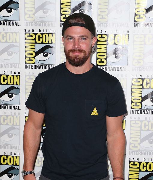 What Stephen Amell Just Said About 'Arrow's' Oliver & Felicity, Plus: The…