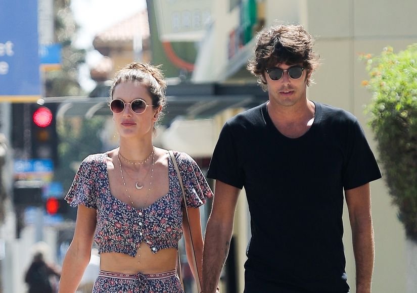 New Couple Alert! Alessandra Ambrosio Kisses New BF — Who's the Lucky Guy?