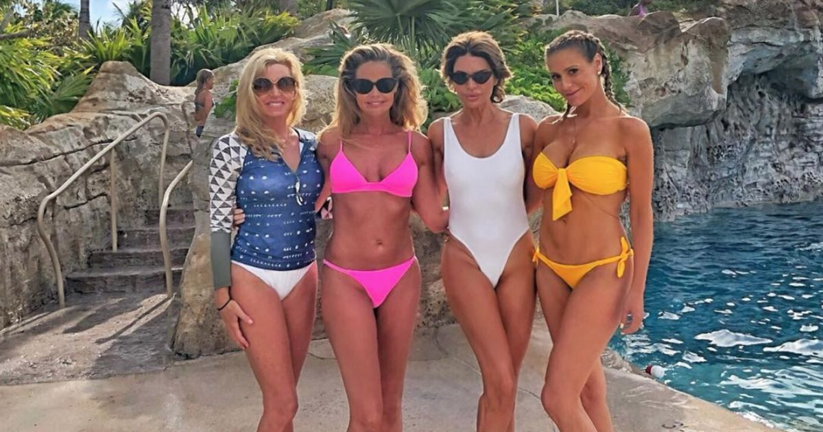 Denise richards bikini pics