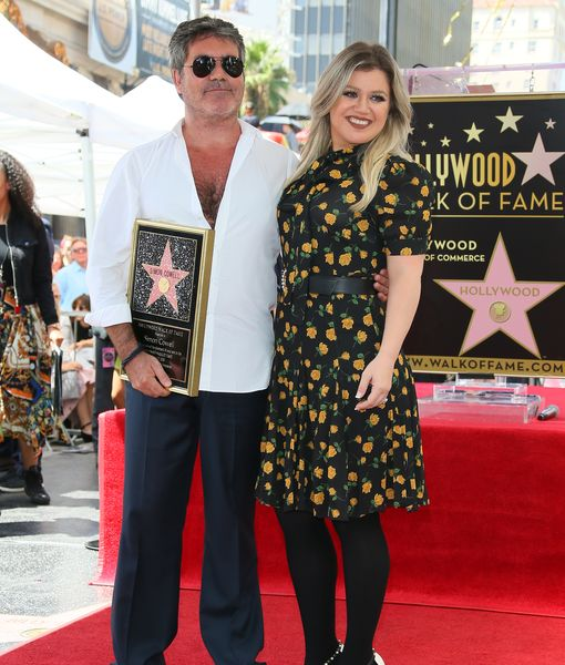 Kelly Clarkson Shows Off Jaw-Dropping Weight Loss at Simon's Star Ceremony
