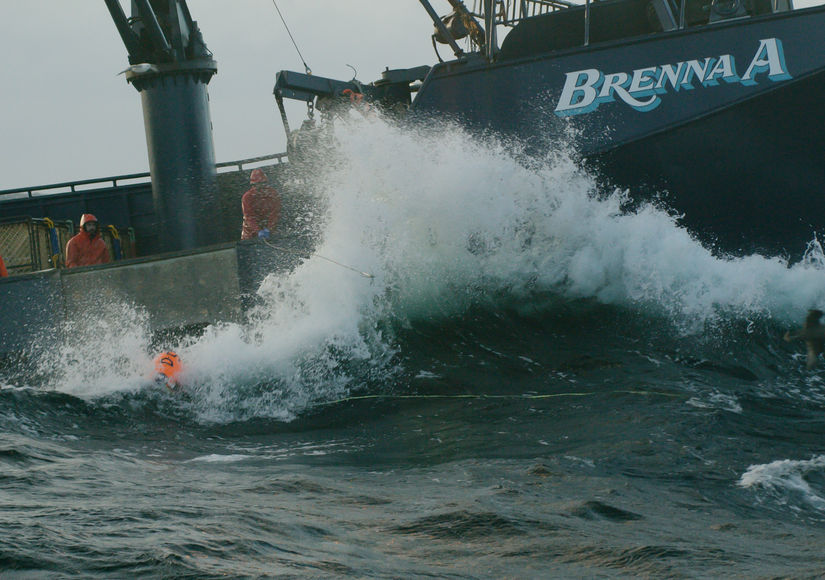 Exclusive Clip! Epic Waves Hit in Season Finale of 'Deadliest Catch'