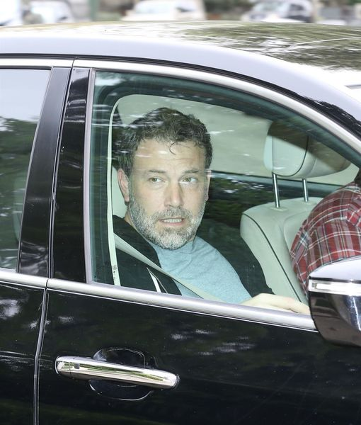 Ben Affleck Works Out at Home Amid Rehab Stay