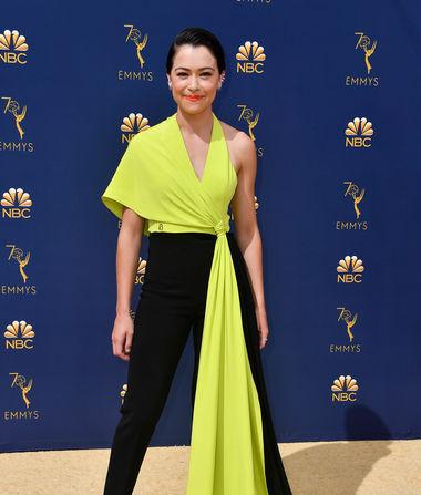 Emmys Fashion: Tatiana Maslany Stuns in Daring Yellow-and-Black…