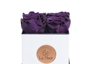 Win It! A La Fleur Super Petit Rose Bouquet