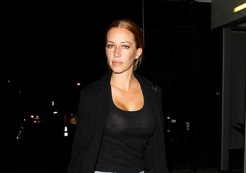 Kendra Wilkinson Goes Braless After Signing Final Divorce Papers