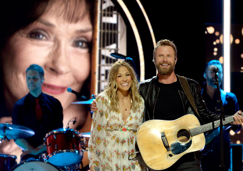 Pics! Stars at CMT Artists of the Year 2018