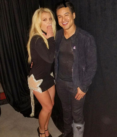 'Extra's' Mario Lopez Helps Britney Spears Announce New Residency in…