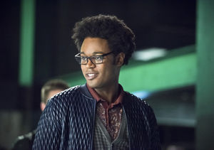 Echo Kellum Drops Hint About 'Arrow' Flash Forwards, Plus: His LOL Response…