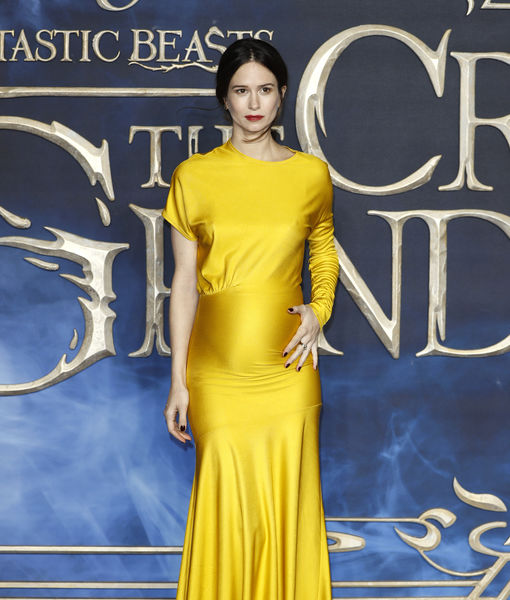 Katherine Waterston Announces Pregnancy at 'Fantastic Beasts' Premiere —…