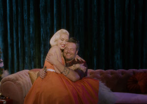 Watch! Gwen Stefani & Blake Shelton Cuddle in 'You Make It Feel Like…