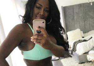 Kenya Moore Shows Off Flat Tummy 3 Weeks After Welcoming Baby Girl