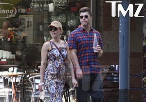 Scarlett Johansson & Colin Jost Hold Hands on Vacation in Argentina