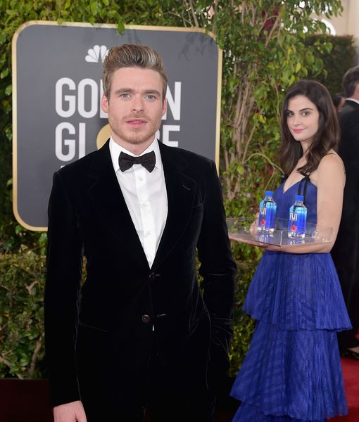 Fiji Water Girl Revealed — Who Was That Model Photobombing Stars at the Golden Globes?
