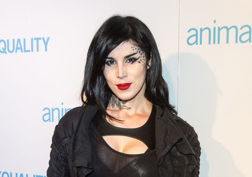Mom Life! Kat Von D Goes Makeup-Free as She Breastfeeds Baby Leafar