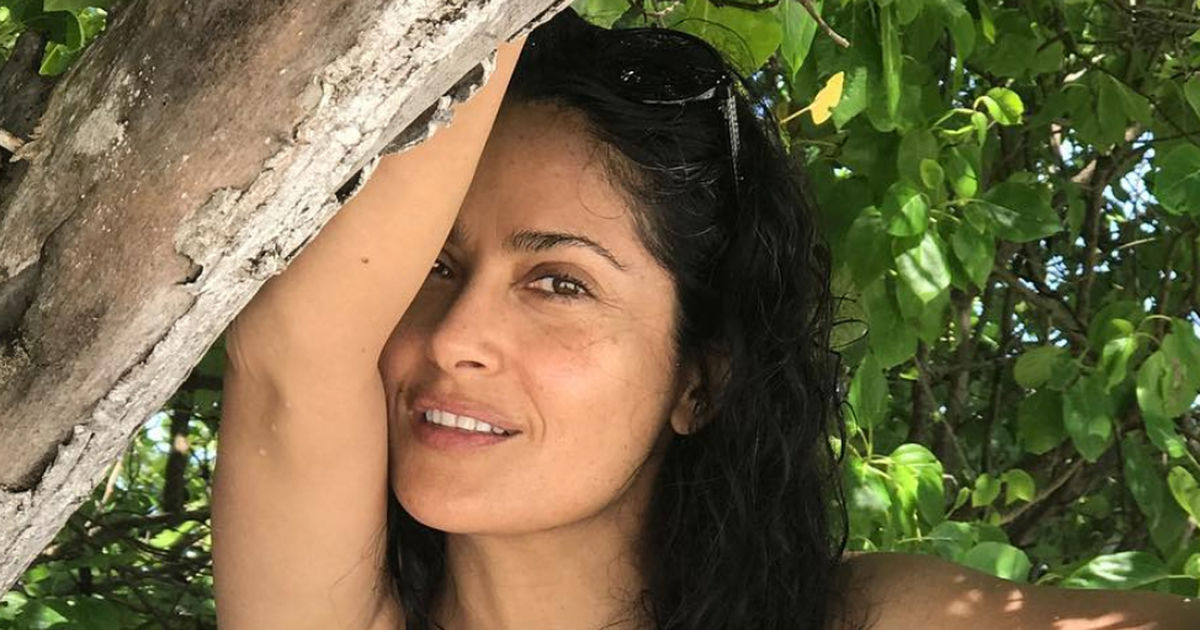Salma Hayek Is Smokin Hot In These Sexy Vacay Pics -4491