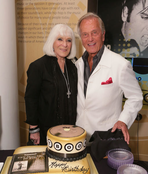 Singer Pat Boone's Wife Dead at 84