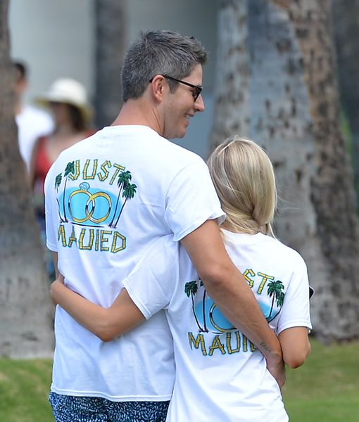 Just Mauied! Arie Luyendyk Jr. & Lauren Burnham Pack on the PDA After Their…