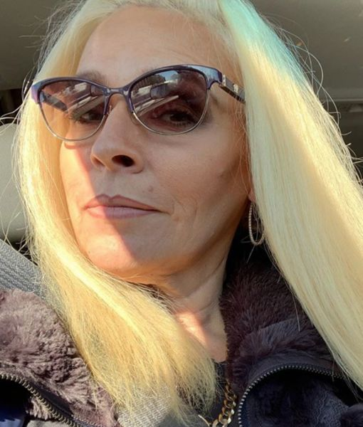 'Dog the Bounty Hunter' Star Beth Chapman Shares Selfie from Hawaii Amid Cancer…