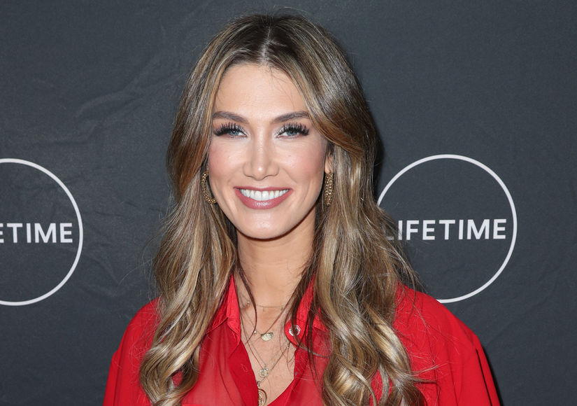 How Delta Goodrem & Olivia Newton-John Connected Over Their Battles with…