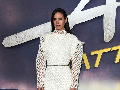 Jennifer Connelly Talks Working with Tom Cruise on 'Top Gun: Maverick' and Her New Show 'Snowpiercer'