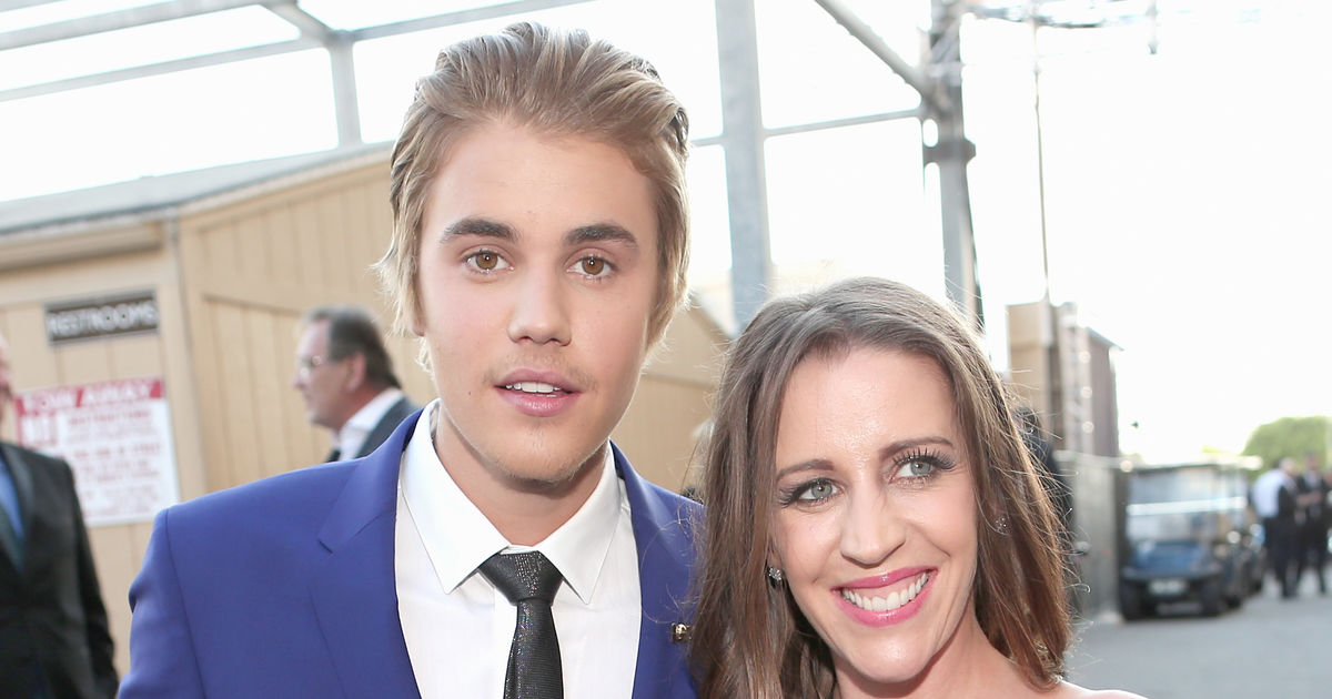 Rumor Bust! Is Justin Bieber's Mom Living with Him ...