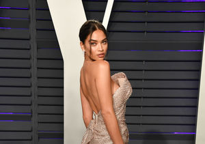 Shanina Shaik Suffers 2 Wardrobe Malfunctions on the Vanity Fair Red Carpet