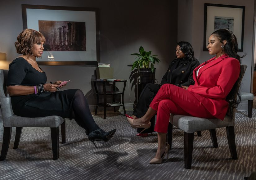 R. Kelly's Young Girlfriends Defend Him, Blast Their Own Parents