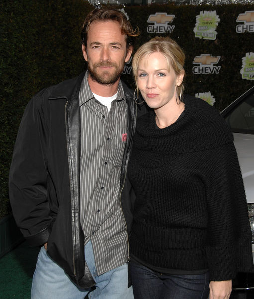Jennie Garth Claps Back at Fans Demanding Luke Perry Tribute