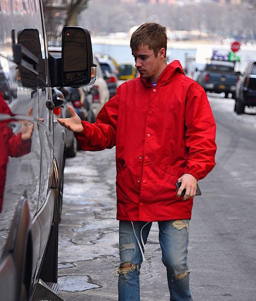 Justin Bieber Tells Fans He's 'Been Struggling a Lot'