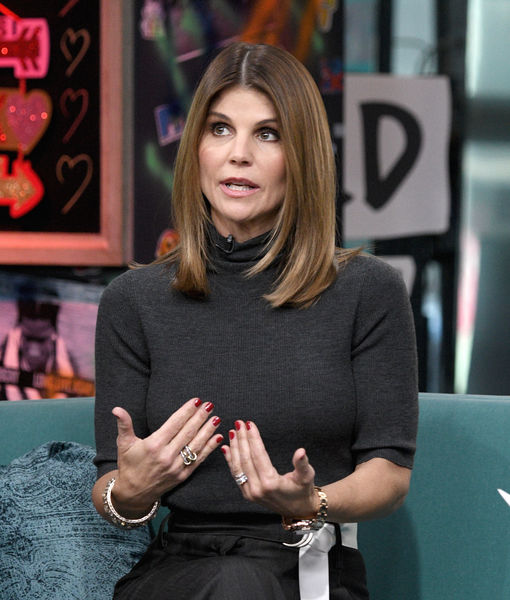Lori Loughlin Surrenders Plus Her Friends React To College Cheating Scandal