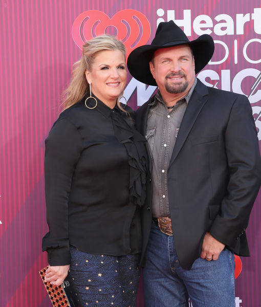 How Garth Brooks & Trisha Yearwood Keep the Romance Alive!