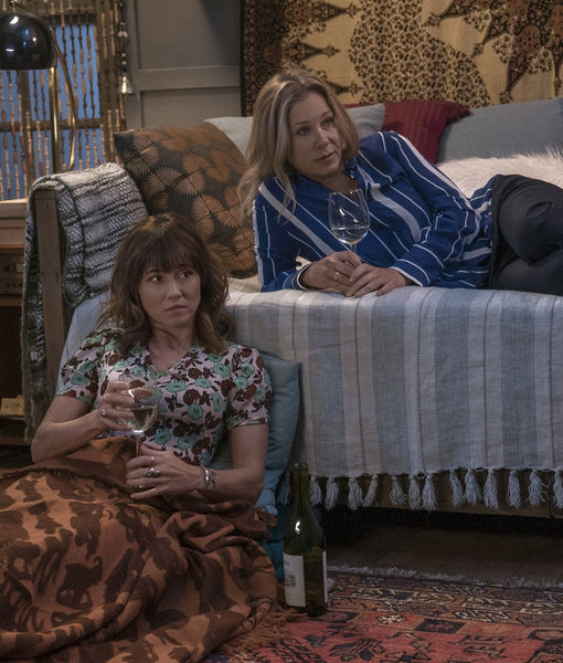 Christina Applegate & Linda Cardellini Reveal How to Become a 'White Wine…
