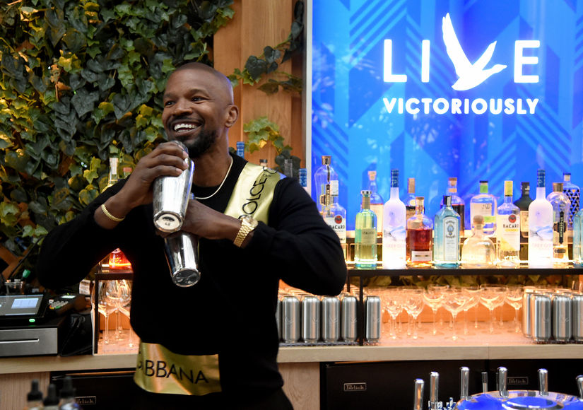 Actress Katie Holmes and Jamie Foxx know how to shut down the breakup rumors!