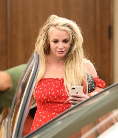 Pics! Britney Spears Takes Easter Break from Mental Health Facility