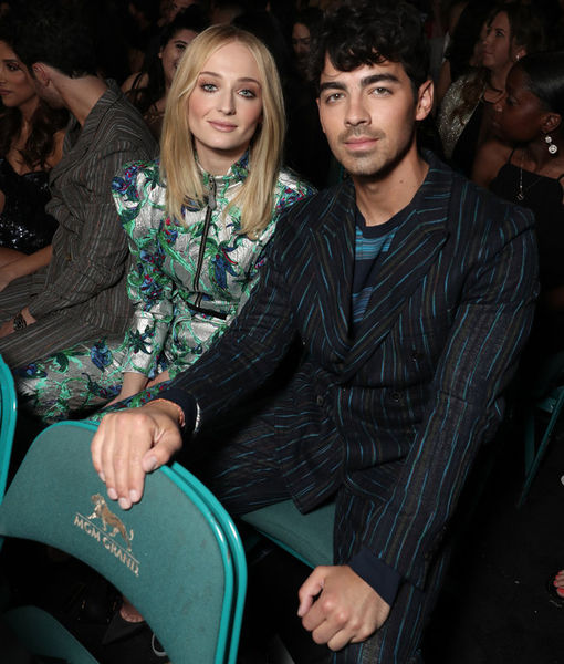 Joe Jonas Dropped a Wedding Hint on the Billboard Red Carpet!