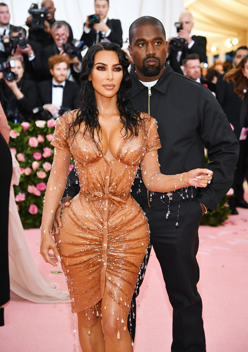 4c2eb0b7eb0 Double Take! Kim Kardashian's Met Gala Dress Is an Optical Illusion ...