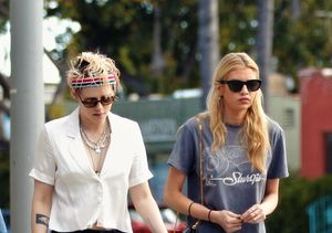 Back Together? Kristen Stewart & Stella Maxwell Spark…